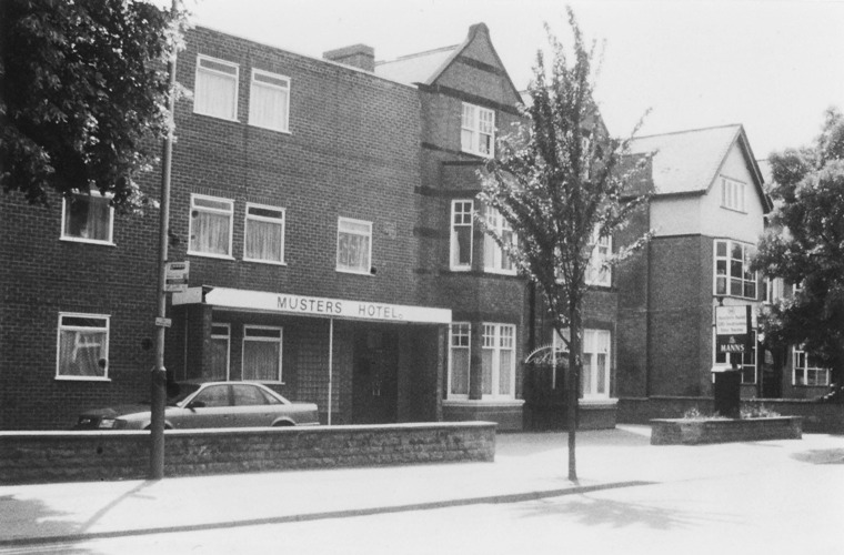 Musters Rd, Musters Hotel c1990